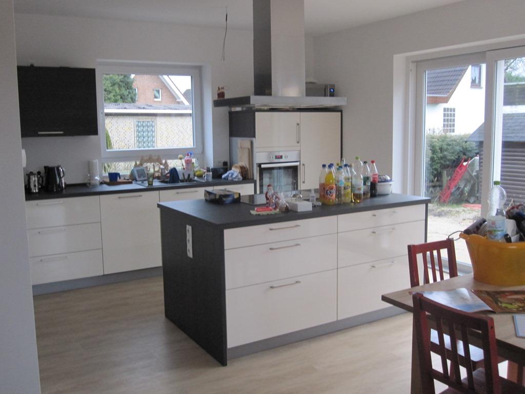 willkommen | fast ein friese - Lichtband Küche